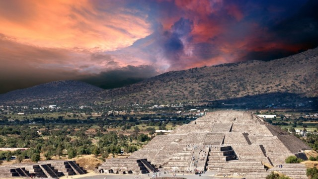 Pyramid-Of-The-Mood-Teotihuacan-Mexico-1440x2560-1024x576