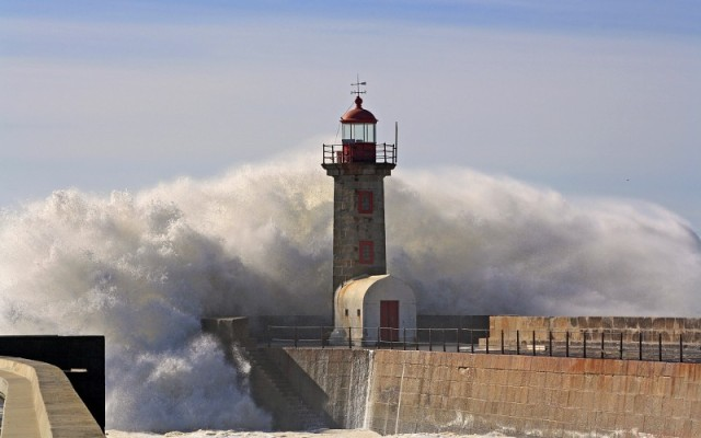 waves-storm-lighthouses-background-216439